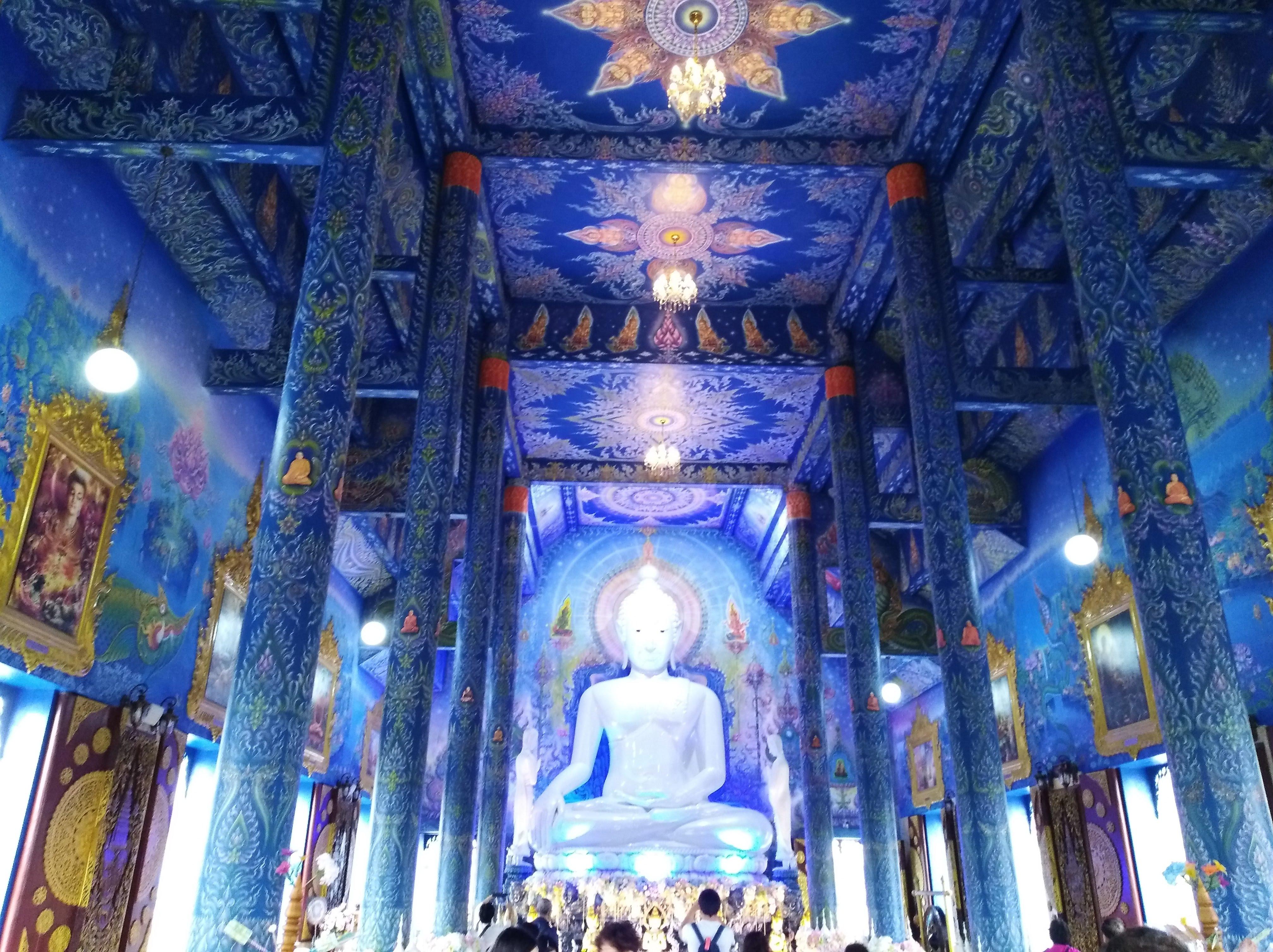 Blue temple Chiang Rai